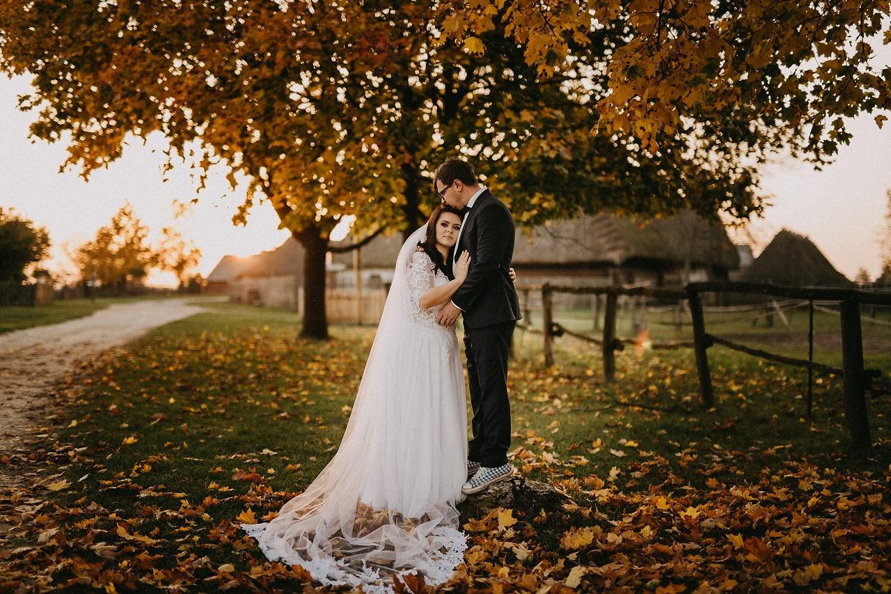 Zdjęcia ślubne o zachodzie słońca