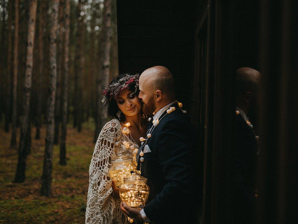 rustykalna sesja ślubna, fotograf ślubna Kielce